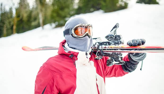 Main_factors_to_look_for_in_the_best_ski_goggles