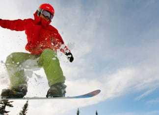 Ski_vs_Snowboard_Clothing_Guide