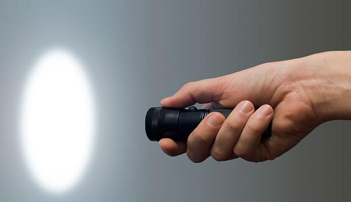 How_To_Choose_Rechargeable_Flashlight