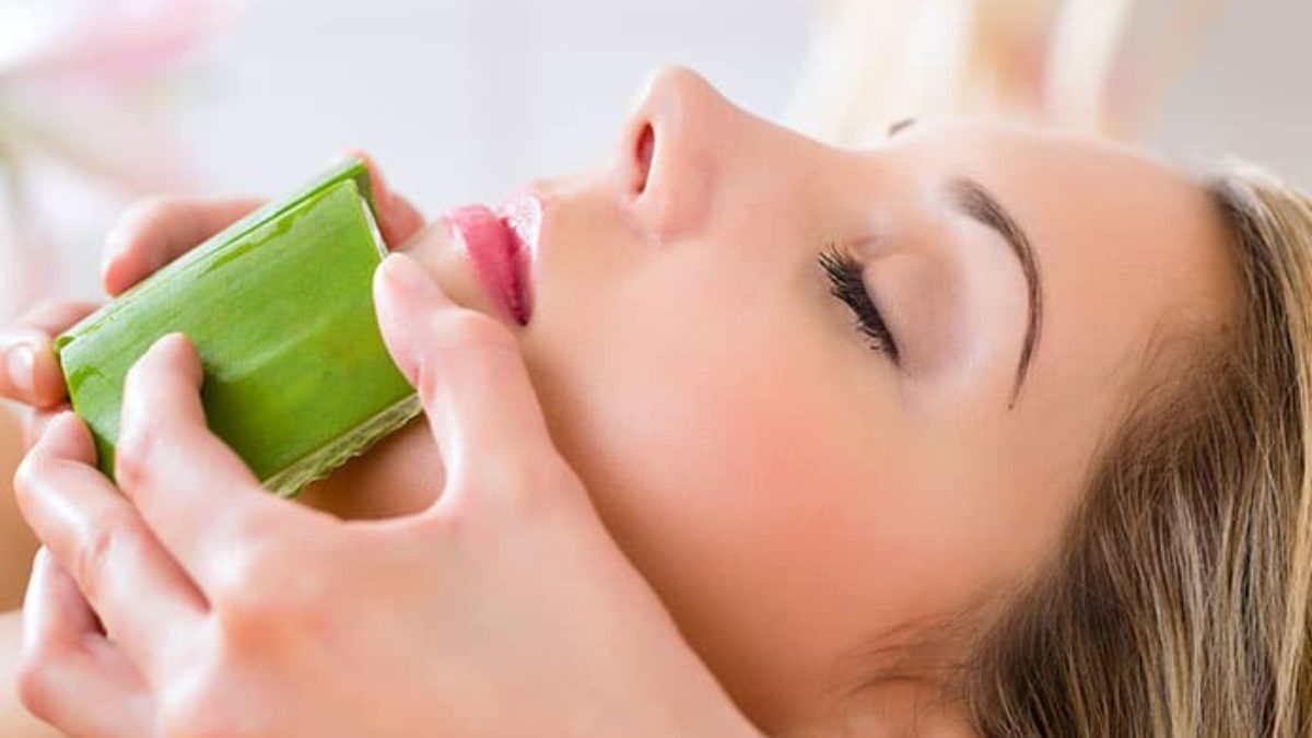 10 Benefits of Aloe Vera on Face Overnight - Globo Surf