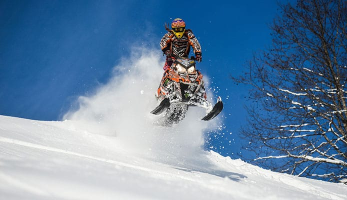 How_To_ChooseSnowmobile_Handlebar_Gauntlets