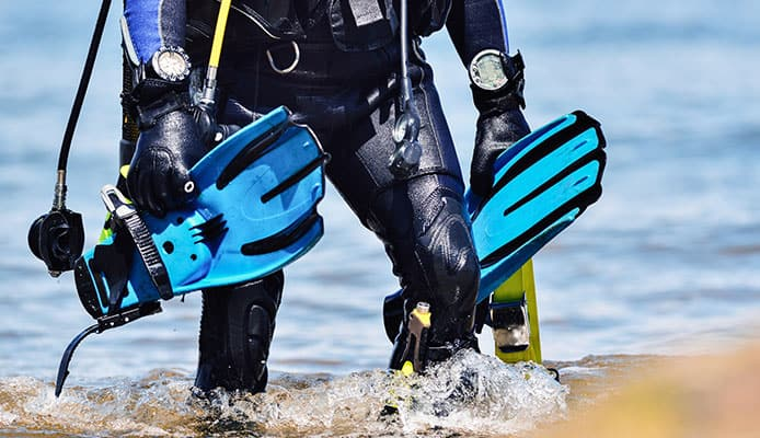 What_Is_The_Difference_Between_Regular_And_Travel_Scuba_Fins