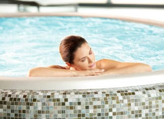 10_Saltwater_Hot_Tub_Benefits