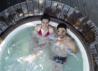 Chlorine_Rash_From_Hot_Tub_-_Preventions_And_Treatment