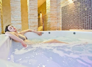 Hot_Tub_Aromatherapy_Guide_For_Maximum_Benefits