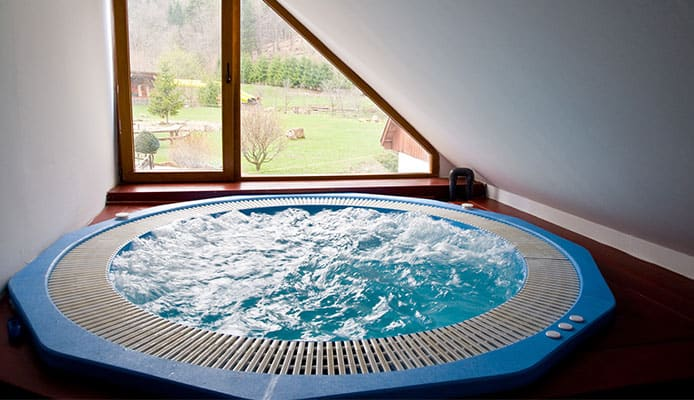 Is_It_a_Good_Idea_to_Buy_a_Used_Hot_Tub