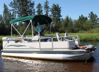 How_To_Buy_A_Pontoon_Boat_–_Step_By_Step_Guide