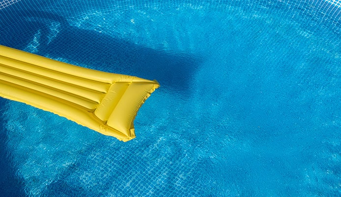 Remove_Pool_Stains_Above_Ground_Pools_Guide