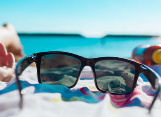 How_To_Clean_Polarized_Sunglasses