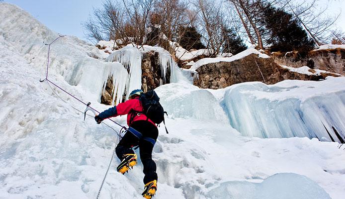 How_To_Ice_Climb_Ice_Climbing_Basics
