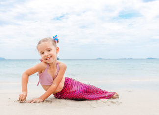 How_To_Swim_Like_A_Mermaid_Beginner_Guide