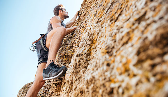 Trad_vs_Sport_Climbing_Comparison_Guide