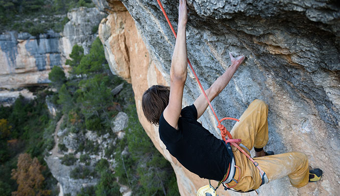 What_does_Trad_mean_in_climbing