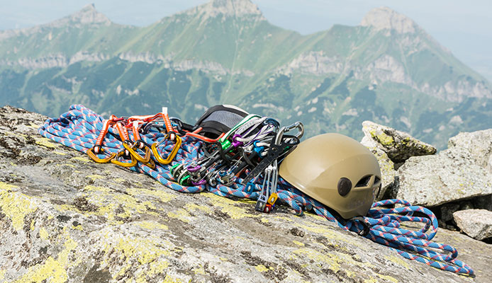What_is_a_harness_in_rock_climbing
