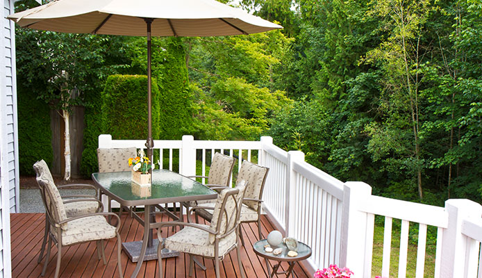 What_is_the_best_cleaner_for_outdoor_furniture