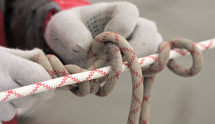 Alpine_Butterfly_Knot_-_How_To_Tie_An_Alpine_Butterfly_Knot