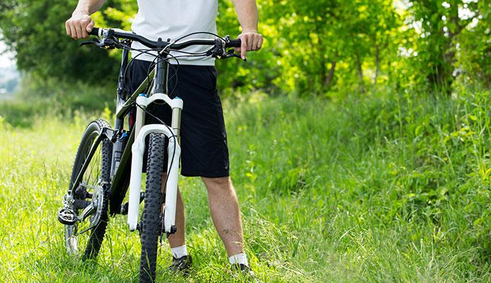 Why_Do_Mountain_Bikers_Wear_Baggy_Shorts_