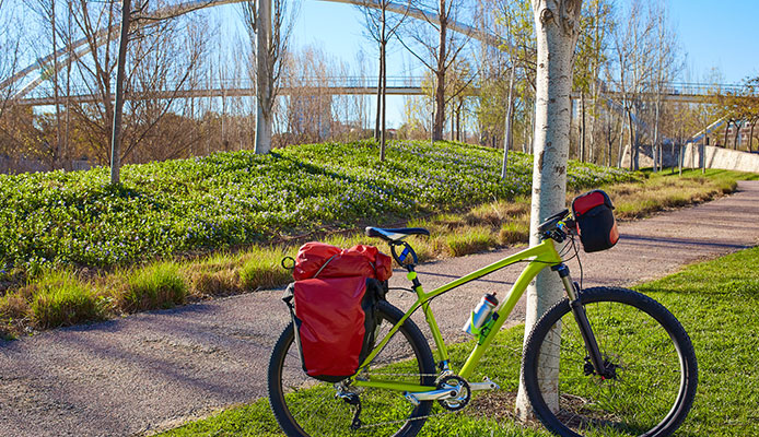 Bike_Touring_Gear_List_And_Guide