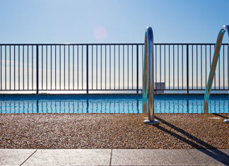Easy_Pool_Fence_Removal_Guide