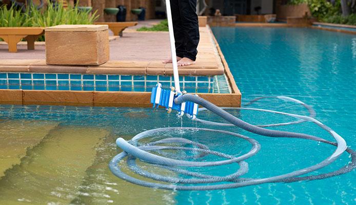 How_To_Manually_Vacuum_Pool