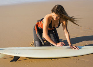 How_To_Remove_Wax_From_A_Surfboard