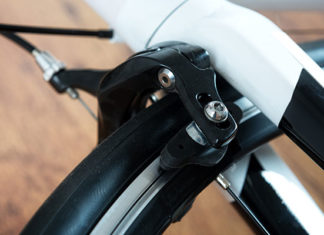 Adjusting_Bike_Disc_Brakes_-_Essential_Maintenance_Tips
