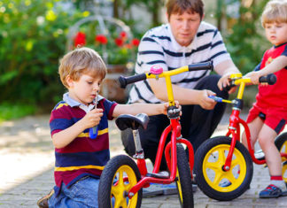 How_To_Ride_A_Balance_Bike_-_The_Best_Parent_s_Guide