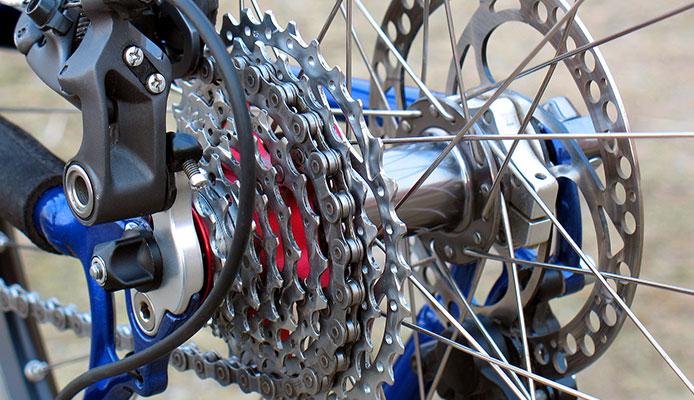 How_do_I_adjust_the_gears_on_my_rear_derailleur_