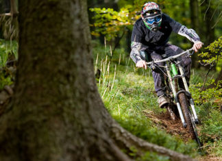 10_Downhill_Mountain_Biking_Tips_For_Beginners