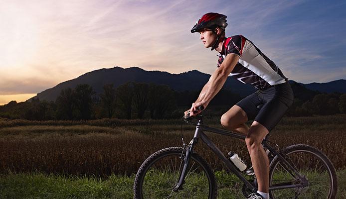 Bike_Roller_vs_Turbo_Trainer_Comparison_Guide