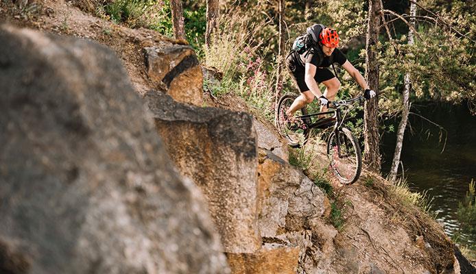 Is_downhill_mountain_biking_dangerous_