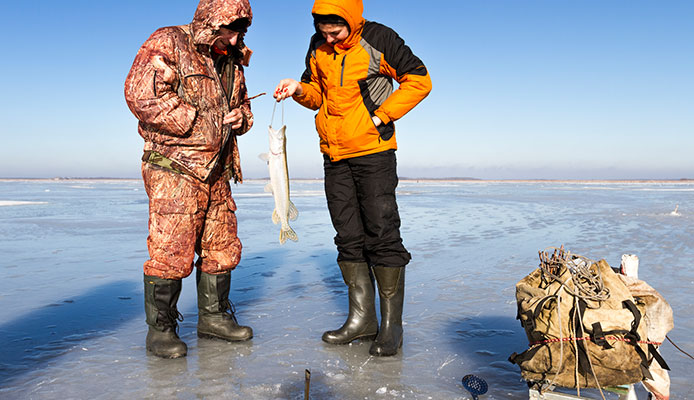 How_To_Choose_Ice_Fishing_Suit